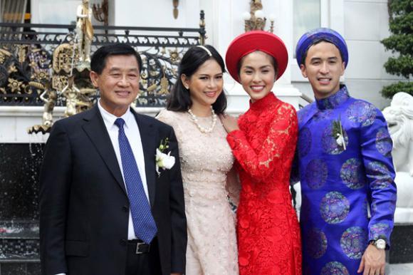 Hàng nghìn quan khách 'thẫn thờ' trước mẹ chồng Tăng Thanh Hà