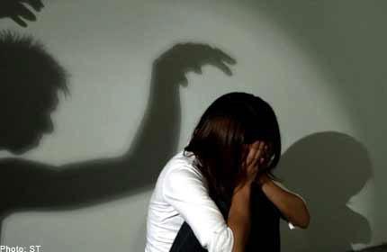 Người cha bất lực nhìn nhân tình hạ sát con gái