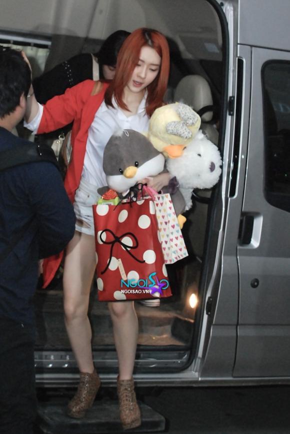 Cận mặt các thành viên của T-ara tại khách sạn