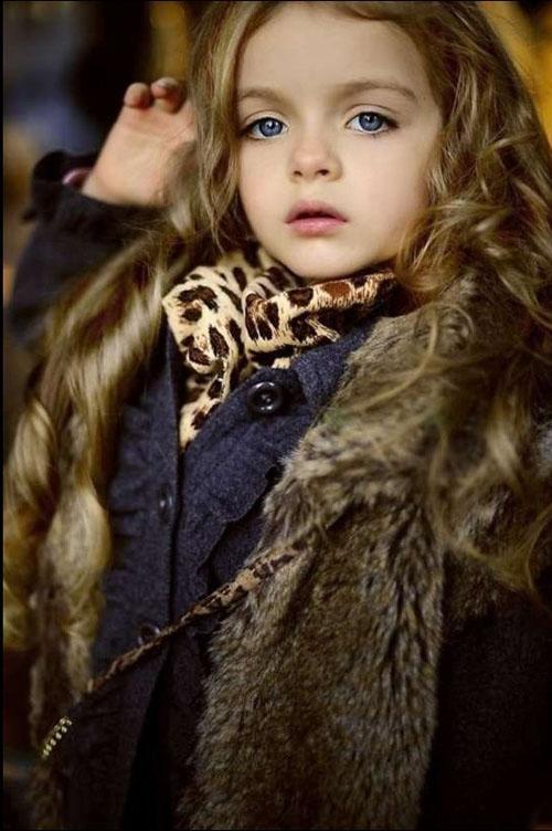Ngắm hình ảnh cực đáng yêu của 'siêu mẫu nhí' Milana Kurnikov