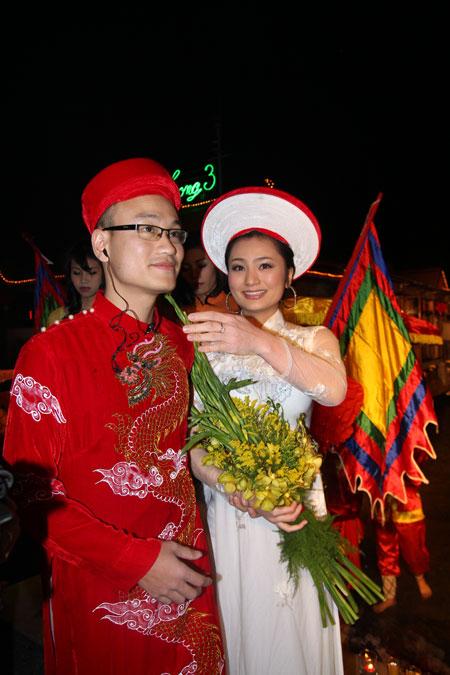 Những đám cưới 'hài không đỡ nổi' của sao Việt