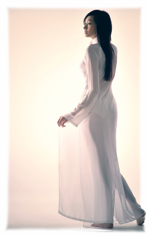 model scandal in Ao dai, singer scandal in vietnam, ao dai scandal