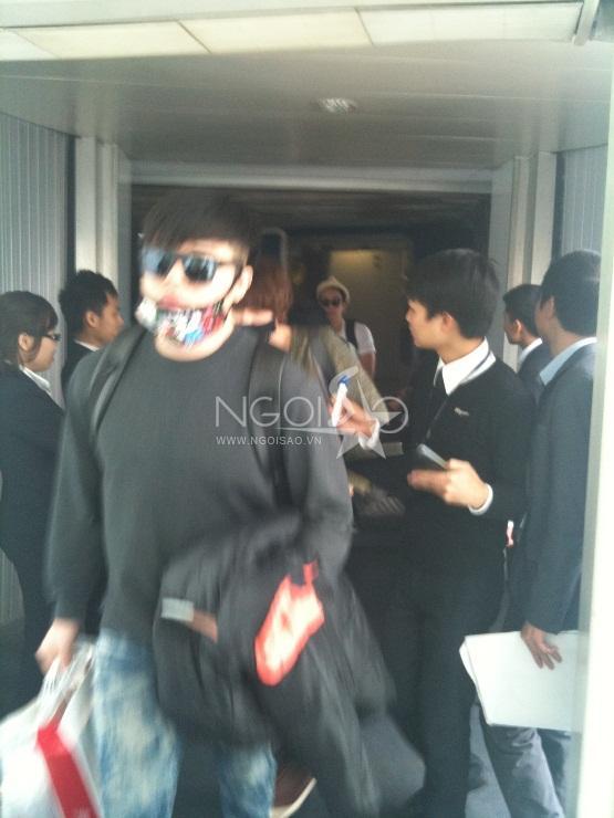 Ảnh độc của Super Junior tại sân bay Nội Bài