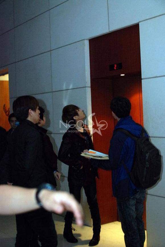 Ảnh nóng: Cận mặt các thành viên Super Junior, SISTAR, BEAST tại Mỹ Đình