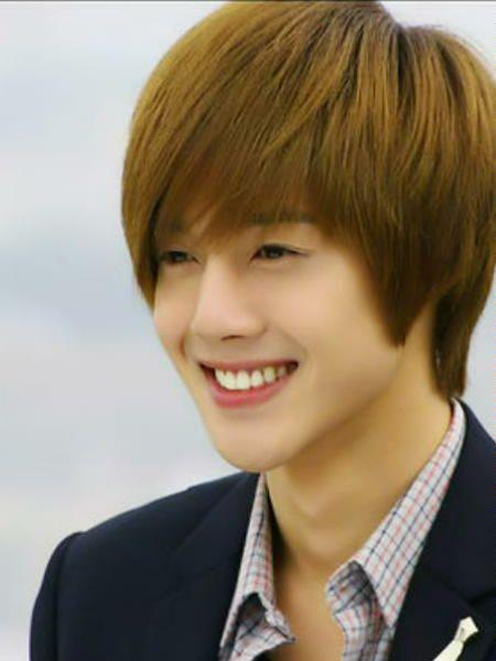 Nụ cười sao Hàn nào sẽ 'chữa lành vết thương' con tim?