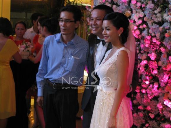 'Đột nhập' lễ cưới độc đáo của Phạm Quỳnh Anh và Quang Huy