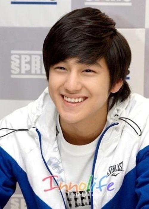 Sao Hàn nào sở hữu nụ cười gây 'chết người'?