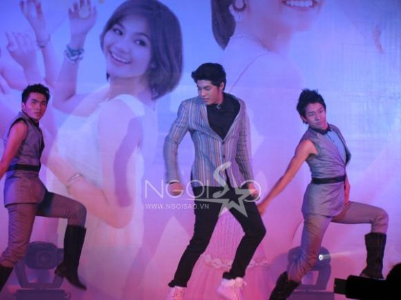 V.Music so kè vũ đạo với La Thăng