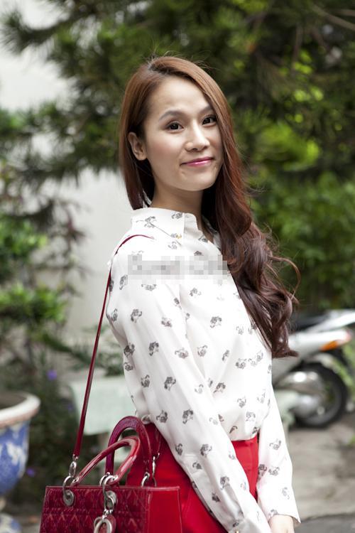 Ngọc Trinh 'đụng hàng' BST túi Dior với 3 mỹ nhân khác của showbiz