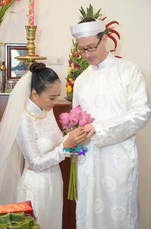 Lộ ảnh lễ rước dâu bí mật của Đoan Trang ở quê