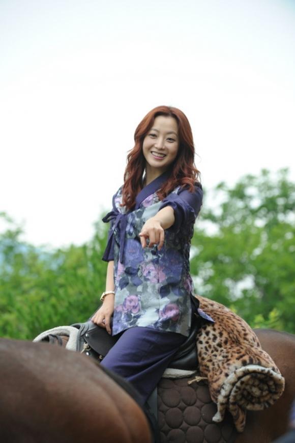 Kim Hee Sun chứng minh đẳng cấp