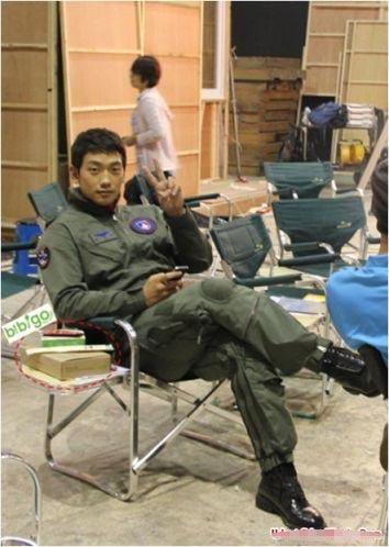 Hậu trường hài hước sao Hàn trong giờ giải lao