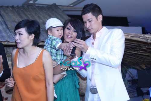 Lộ diện hotboy của nhà diễn viên Đinh Y Nhung
