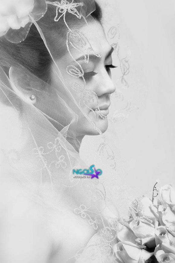 Lộ ảnh mặc váy cưới xinh như mộng của Lâm Chí Khanh