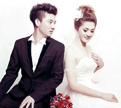 Lộ diện chồng sắp cưới của Lâm Chí Khanh
