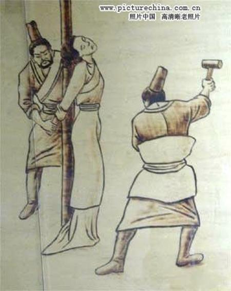Những hình phạt ghê rợn với phụ nữ ngoại tình thời cổ