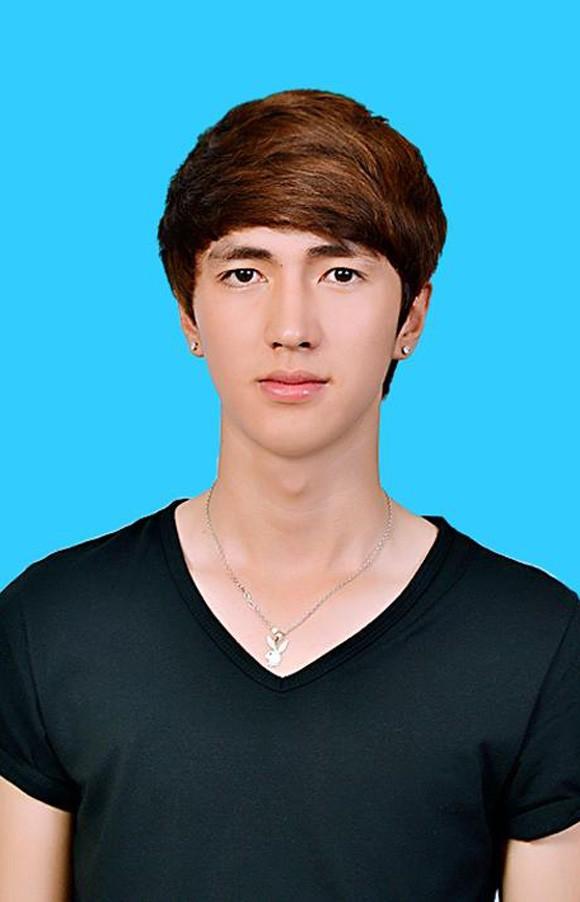 Ảnh thẻ 'thanh niên nghiêm túc' của hot teen Việt