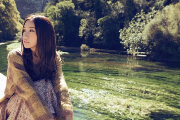Trần Ngạn Phi trầm buồn giữa khung cảnh thiên nhiên thơ mộng