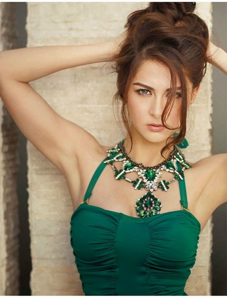 Mỹ nhân đẹp nhất Philippines khoe vẻ quyến rũ trên FHM