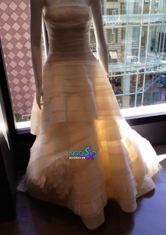 Lộ váy cưới Thủy Tiên sẽ mặc trong đám cưới Đan Trường