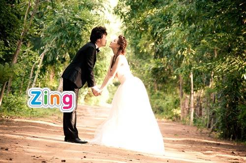 Dương Ngọc Thái bất ngờ để lộ ảnh cưới
