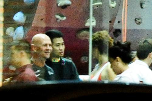 Em chồng Hà Tăng đưa Hoàng My đi tập thể dục bằng siêu xe