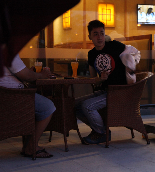 'Thiếu gia' Tùng Lâm lộ diện sau scandal tình ái