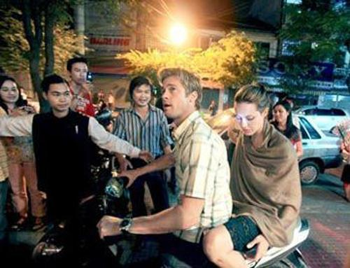 Những cặp vợ chồng sao ngoại từng 'gây bão' tại Việt Nam