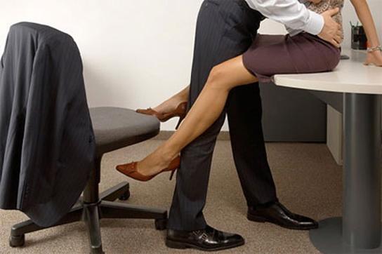 Какви са любовните ви афери на работното място според зодиакалния знак?