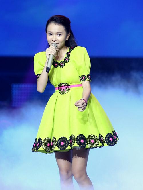 Giọng hát Việt nhí: Quang Anh 'xô đổ' tượng đài Tùng Dương