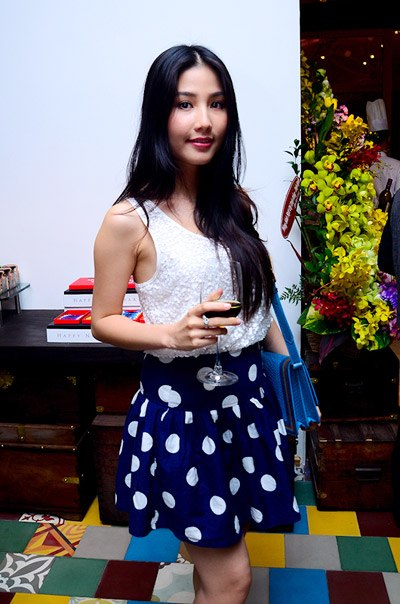 Chiều cao thật sự của các hot girl Việt Nam