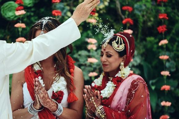 Ảnh cưới đẹp long lanh của các cặp đồng tính nữ