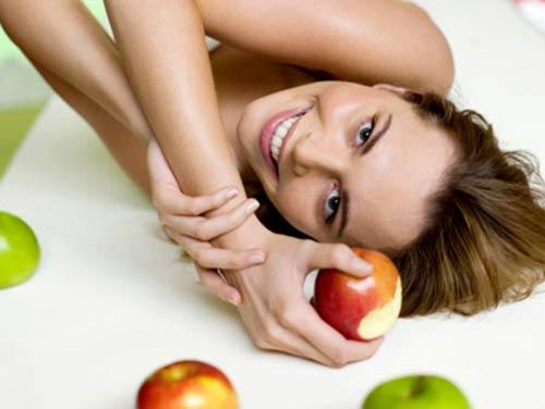 Trái táo có những tác dụng làm đẹp nào? - 2