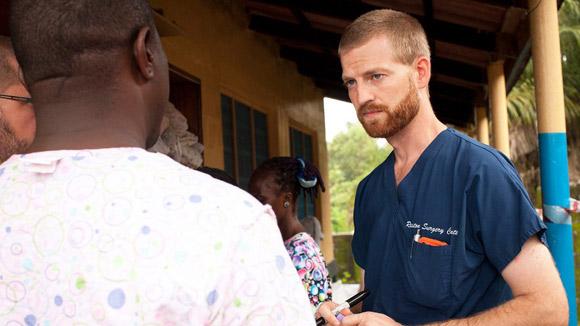 Bệnh nhân đầu tiên hồi phục nhờ thuốc thử nghiệm Ebola