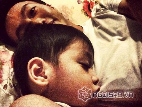 Cường Đô la khoe ảnh Subeo ngủ há mồm cực yêu