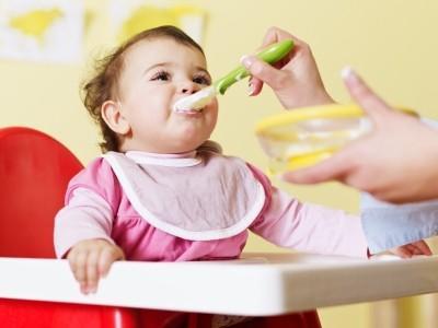 Những sai lầm quen thuộc mà rất hại khi mẹ nấu cháo cho bé
