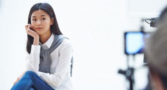 Lộ ảnh nhan sắc thật của 'minh tinh trái đất' Jeon Ji Hyun trong hậu trường
