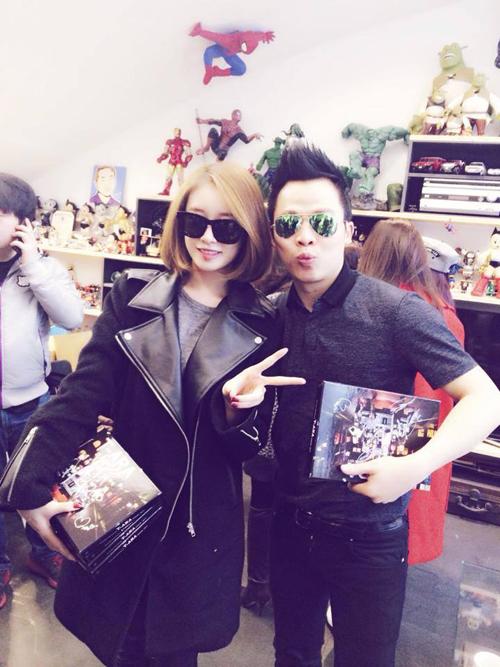 Khắc Tiệp và Ngọc Trinh gặp gỡ nhóm T-ara tại Hàn Quốc