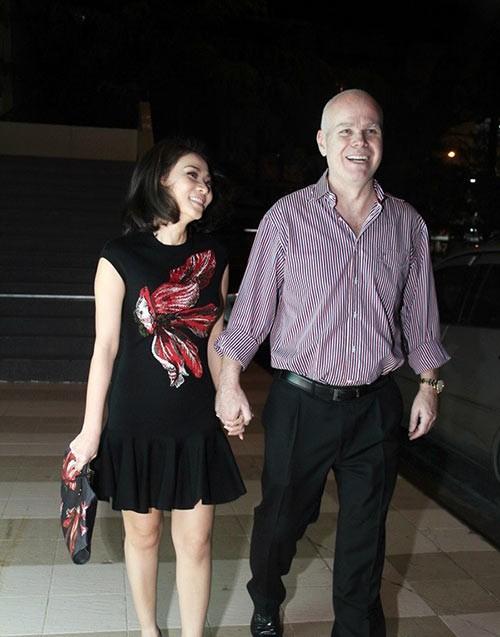 Những mỹ nhân Việt 'chân ngắn' nhưng vẫn 'xích' được chồng đại gia