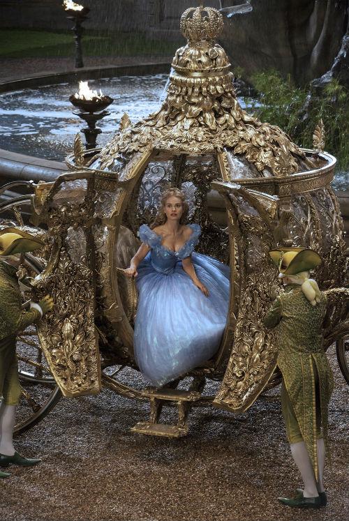 Những bộ phim cổ tích được Hollywood 'phù phép'