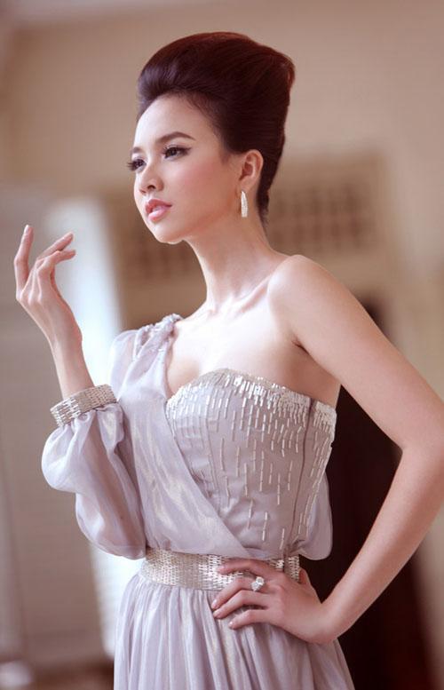 Dung nhan 'khác lạ' của 6 mỹ nhân Việt