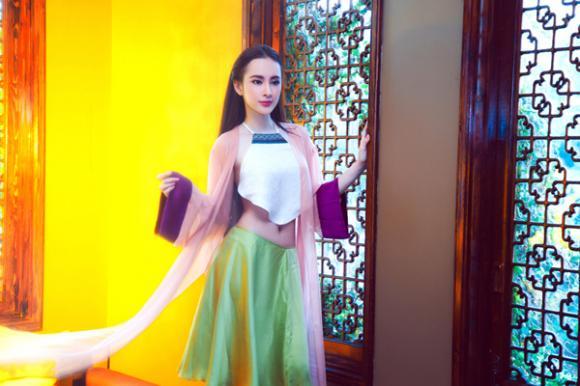 Angela Phương Trinh 'hóa' mỹ nhân cổ trang hờ hững khoe eo thon