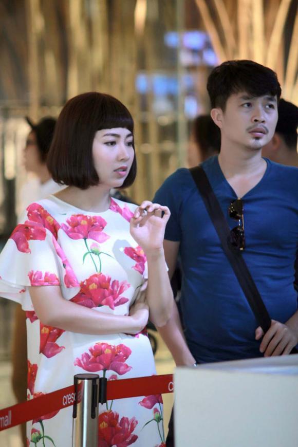 Bắt gặp chồng sắp cưới đến phim trường thăm Lê Khánh