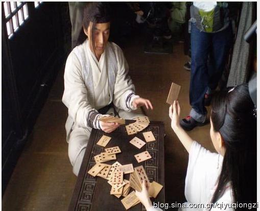 Cười đã đời với ảnh hậu trường 'khó đỡ' trong phim cổ trang Hoa ngữ