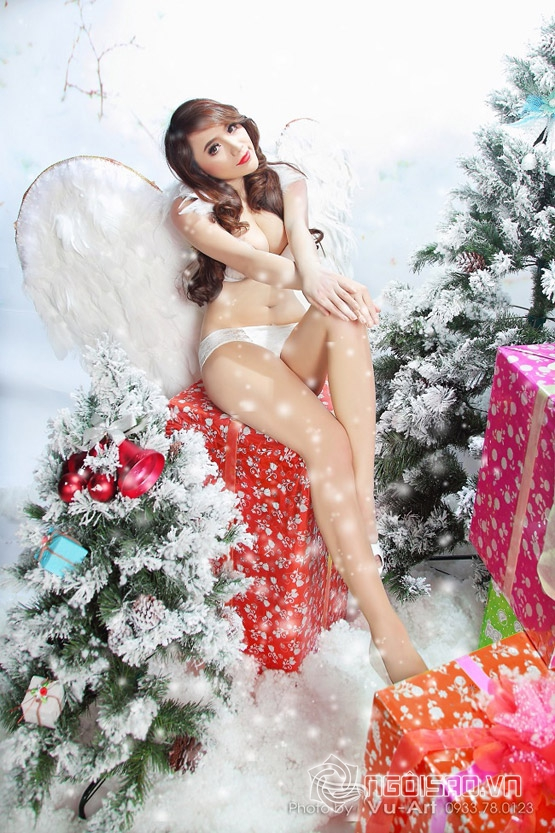 Jenny Tuyến hóa thiên thần với quà Giáng sinh tuyệt đẹp!