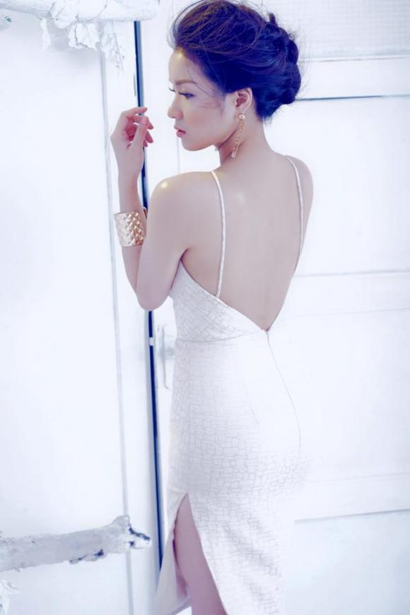 Thủy Top khoe dáng ngọc với gam màu pastel