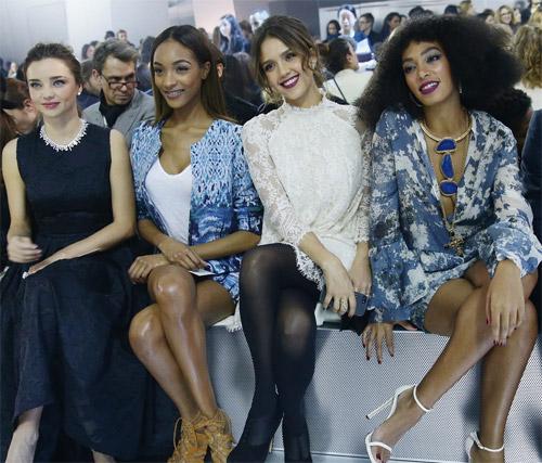 Miranda Kerr tỏa sáng tại tuần lễ thời trang Paris