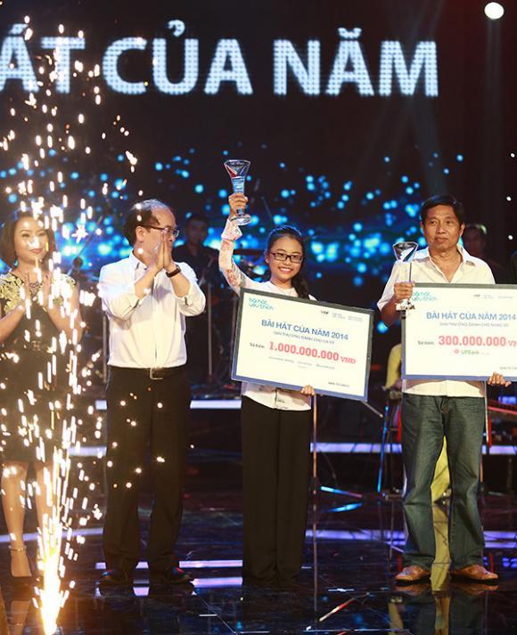 Thế lực ngầm nào đang chi phối showbiz, nghệ sĩ Việt?