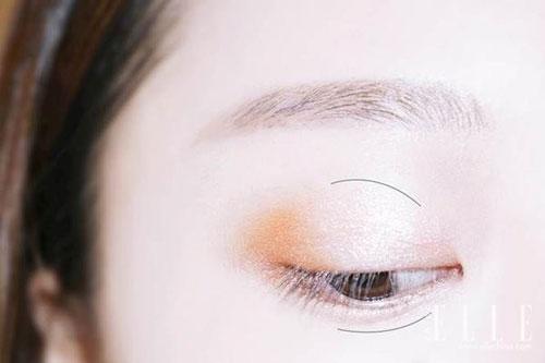 2 phút trang điểm mắt màu cam trẻ như mỹ nhân Hàn