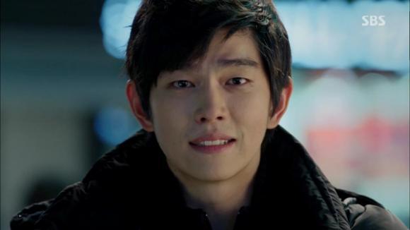 Những mỹ nam vai phụ khiến fan nữ 'mê mẩn' trong phim Hàn